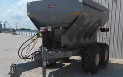 Salford/BBI Trooper Fertilizer Spreader
